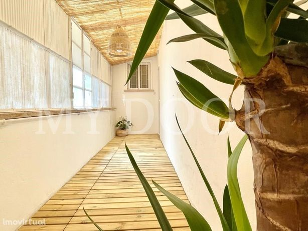 Apartamento T2 em Moscavide - 1º Andar - Marquise 10m2