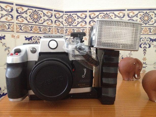Máquina fotográfica Olympia