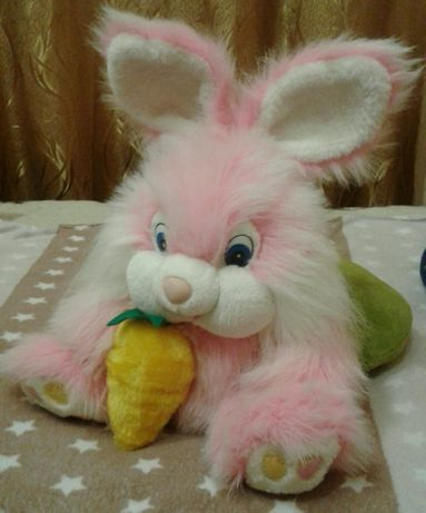 Мягкая игрушка Зайчик с морковкой