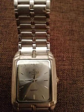 Часы в отличном состоянии