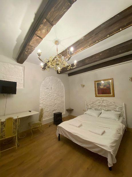 Сучасні апартаменти подобово у Львові на Площі Ринок