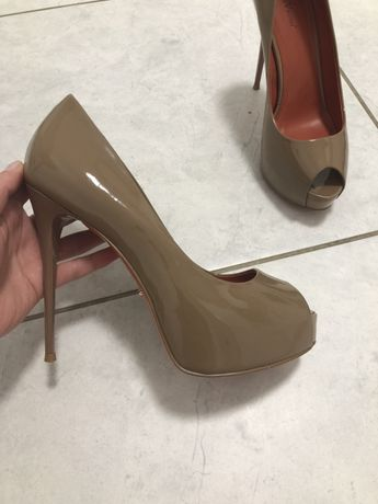Босоножки туфли с открытым носком Vitto Rossi