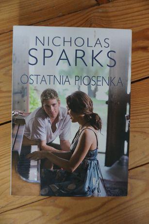 "Książka Nicholasa Sparksa ""Ostatnia piosenka"""