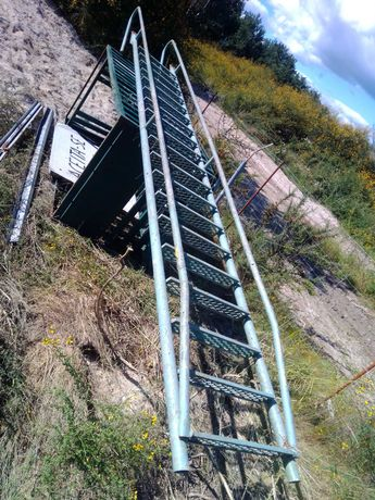 Escada Ferro Resistente
