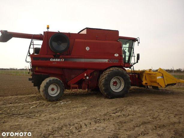 Case IH 2388  Kombajn Case 2388 plus heder zbożowy, przystawka do kukurydzy