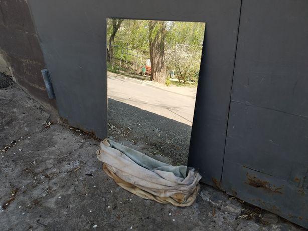 Зеркало, в отличном состоянии