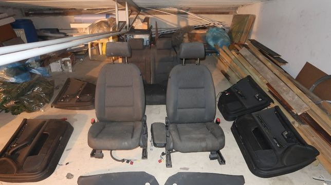 Fotele Audi A4 B7 (Kompletne wnętrze)