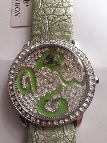 Часы женские кварцевые Fashion