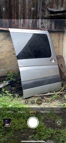 Mercedes Sprinter 318 .2011. Двері розсувні бокові оригінал пассажир