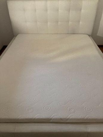 Łóżko sypialniane na sprzedaż