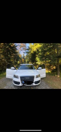Автомобіль AudiQ5