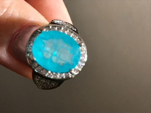 перстень с волшебным огромным турмалином параиба