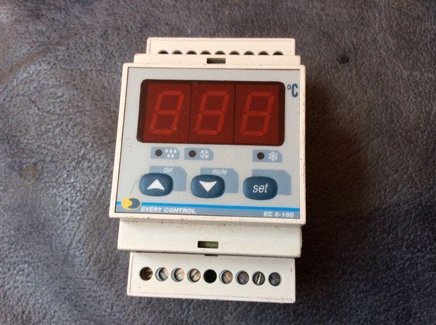 Контроллер температуры холодильных камер