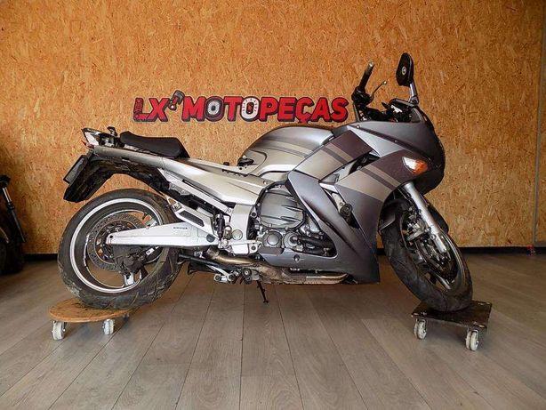 Yamaha FJR 1300 acidentada para peças