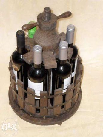 Porta garrafas em madeira