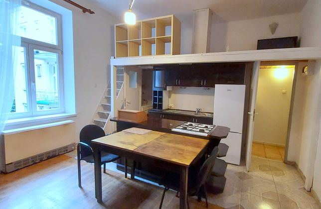 1 pokojowe mieszkanie z antresolą-50m ul. Siemiradzkiego