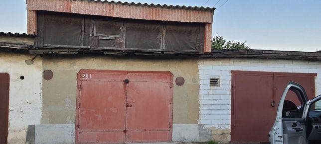 Продам гараж на звездочке 1-м ряду