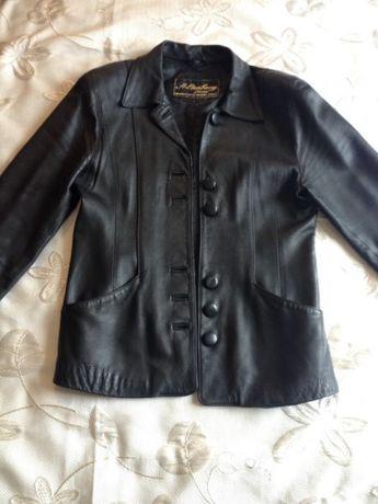 продам кожаную куртку S