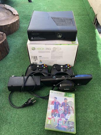 Konsola Xbox 360 Slim 250GB + Pady + Kinect + Gry +Kierownica GTA Lego