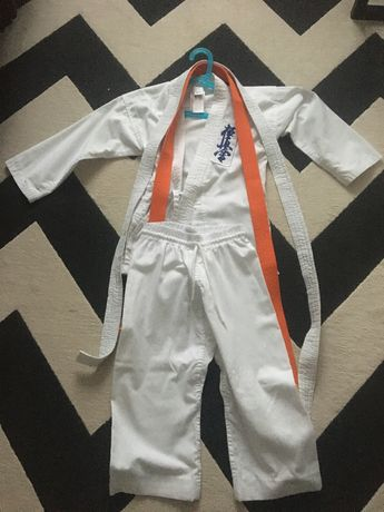 Stroj kimono karate