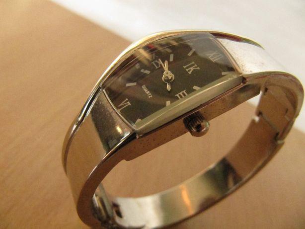 Часы IK в коллекцию, 2008 года выпуска, женские, браслет, новые