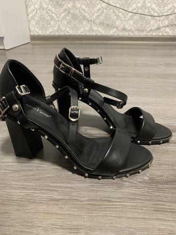 Туфли босоножки Vitto rossi черные кожаные