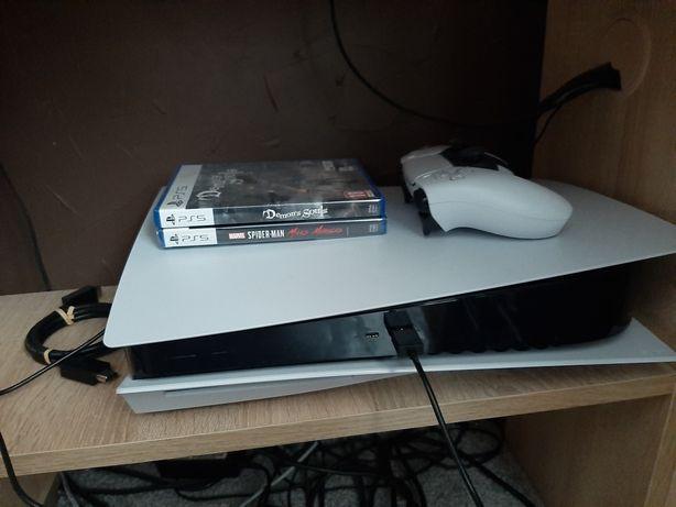 Konsola PS5 z napędem