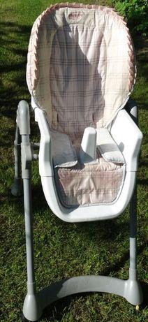Stolik do karmienia dla dziecka z bialym blatem