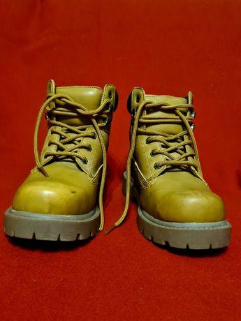 Шикарные демисезонные ботинки от john baner