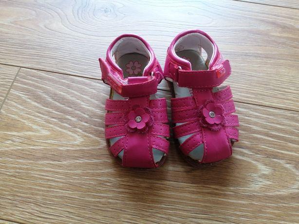 Sandałki dziewczęce 20