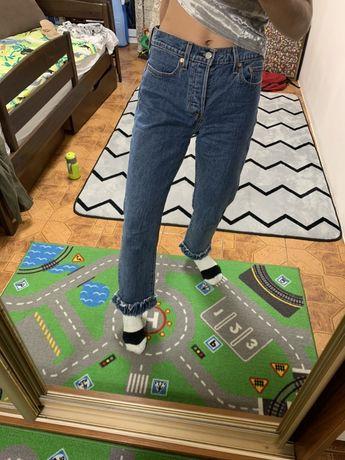 Продам джинси levis