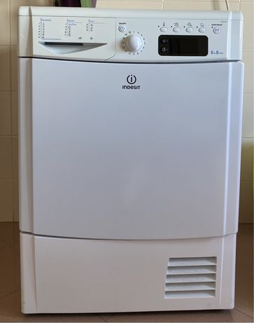 Maquina de secar Indesit