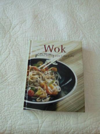 Livro de receitas no wok