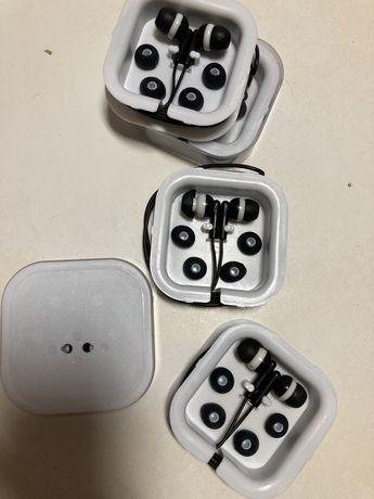 Conjunto 5 pares de Phones/Auriculares Universais