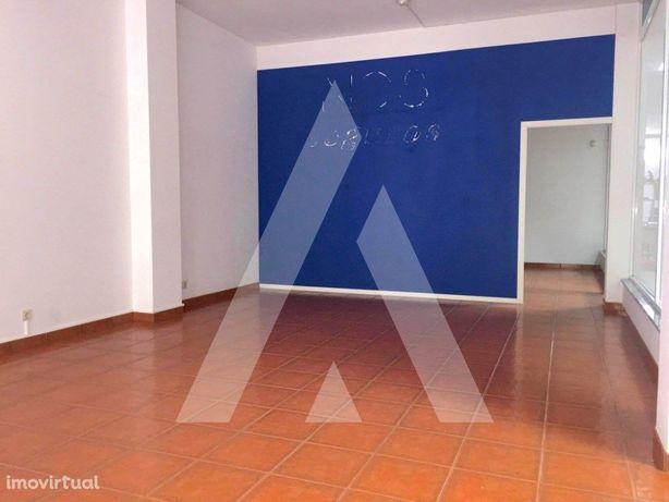 Loja com 52 m2 no centro de Cacia, em Aveiro