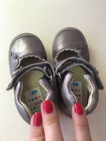 Кожаные, фирменные туфельки туфли Clarks 22 размер