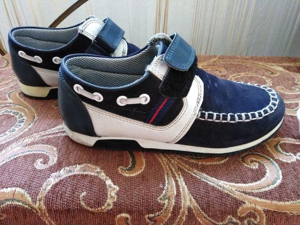Туфлі-кросівки