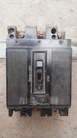 Выключатель автоматический трёхфазный