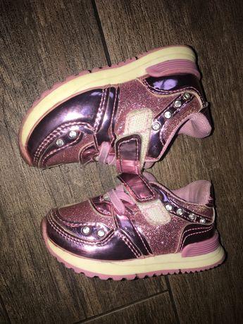 Кроссовочки розовые блестящие