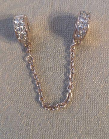 Łańcuszek zabezpieczający Pandora z przejrzystym motywem Pave oryginał