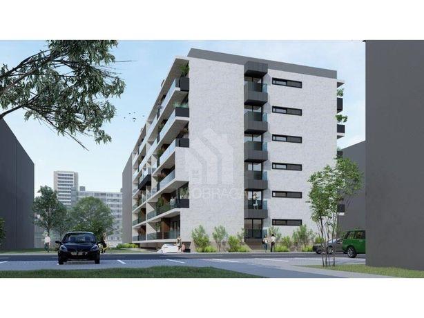 Venda Apartamento T3 de Gaveto Novo, em Real, Braga