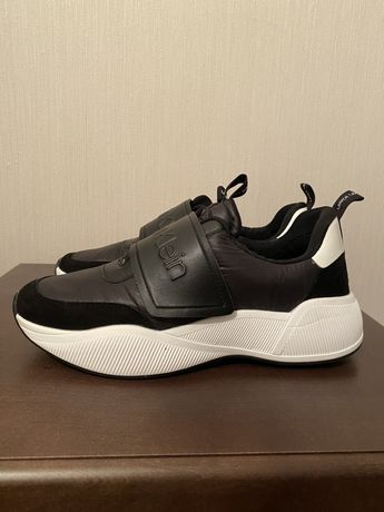 Продам кроссовки Calvin Klein