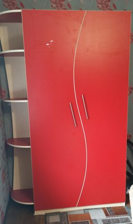 Продам шкаф-стенку в хорошем состоянии