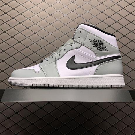 Кроссовки Nike Air Jordan 1 Mid Light Smoke Grey женские серые джордан