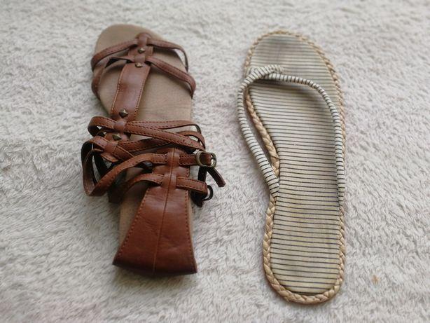 Sandałki, japonki, rzymianki rozmiar 40