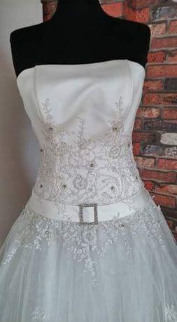 Ślubna  sukienka. Rozm 38 (M)