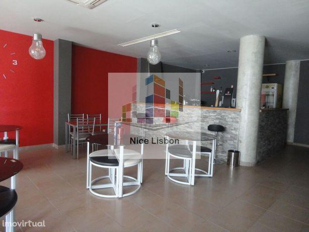 TRespasse de Café/Snack Bar em Ramada Odivelas