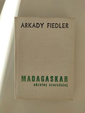 Książka Arkady Fiedler Madagaskar, okrutny czarodziej.