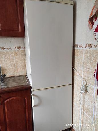 Холодильник INDESIT модель RF360 белый