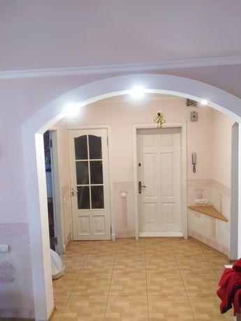 Продам 4-х комнатную квартиру с автономным отоплением